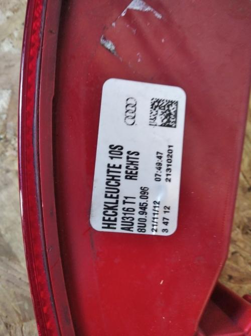 8U0945096 Audi Q3 parem gabariit tuli (1)